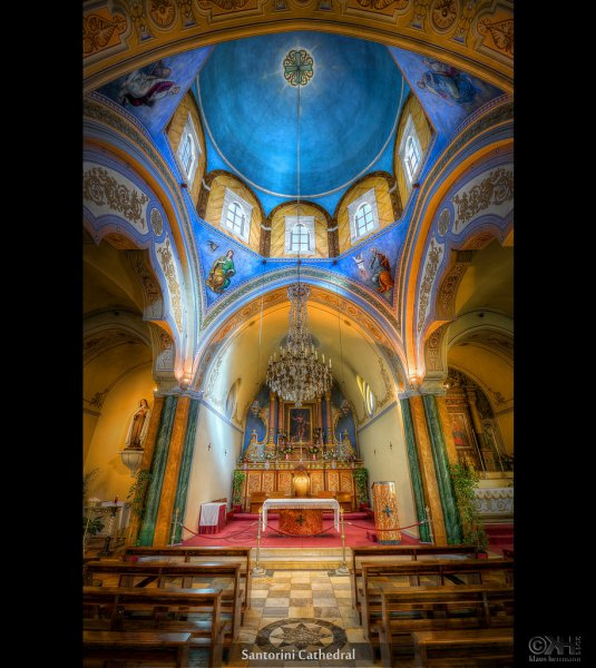 hand-held HDR image from the catholic cathedral on Santorini